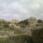 Villa Mulas vista dalla fine della strada che segue il canyon (via Falzarego)