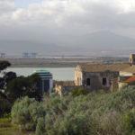 Panoramica dalla sommità del colle verso la villa Mulas e i palazzoni di Santa Gilla