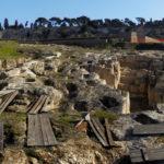 Panoramica degli scavi, con gazebo in degrado   foto di Egildo Tagliareni